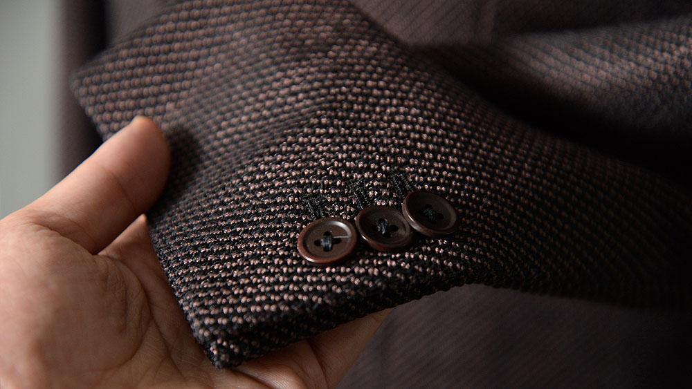 FERLA(フェルラ)のオーダージャケットのナットボタン