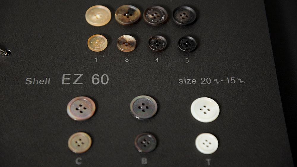 ゼニアのオリジナル釦(ボタン)はEGRET